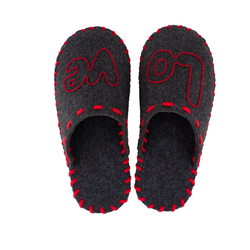"Women's slippers made of felt Lapti dark gray applique ""LOVE"""