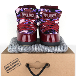 Women's moon rovers BUKI burgundy graffiti print