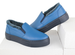 Women's slip-on made of genuine leather Lapti blue on fur
