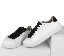 Кожаные белые кеды с черной вставкой  (W)
