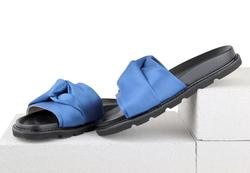 Шлепанцы бант синий сатин (W)