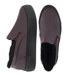 Women's slip-on made of genuine leather Lapti burgundy on fur