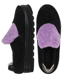 Слипоны женские из меха каракуля Lapti черные с фиолетовым язычком