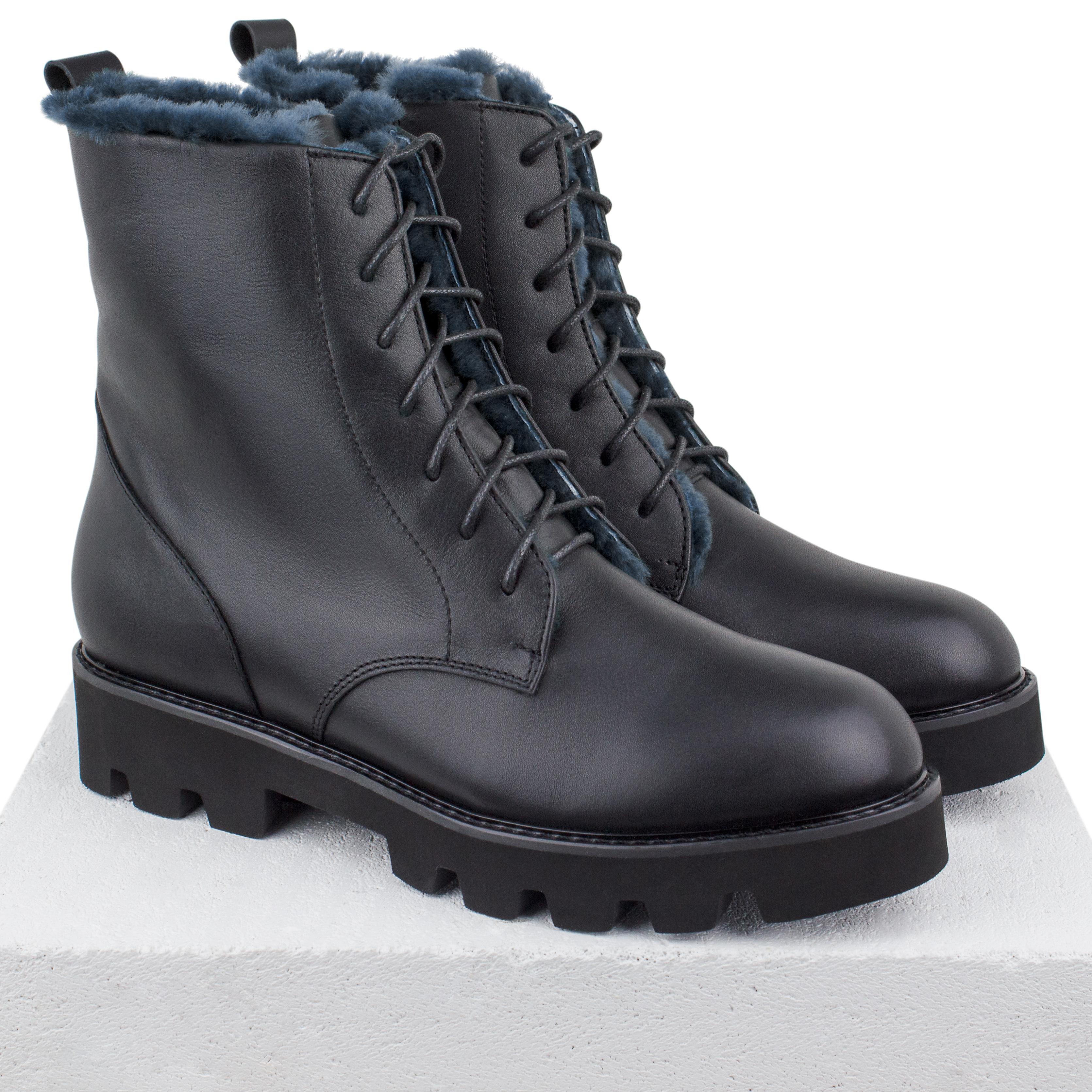 Кожаные черные высокие ботинки на свинцово-сером меху (W)