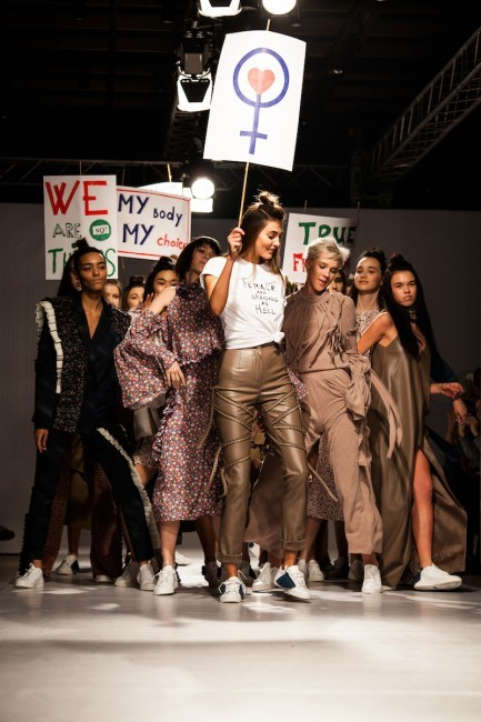 WeAnnaBe x L.A.P.T.I.   Show MBKFD FW`17-18